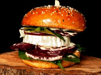 Red beet burger - NOVINKA ! (veget.)